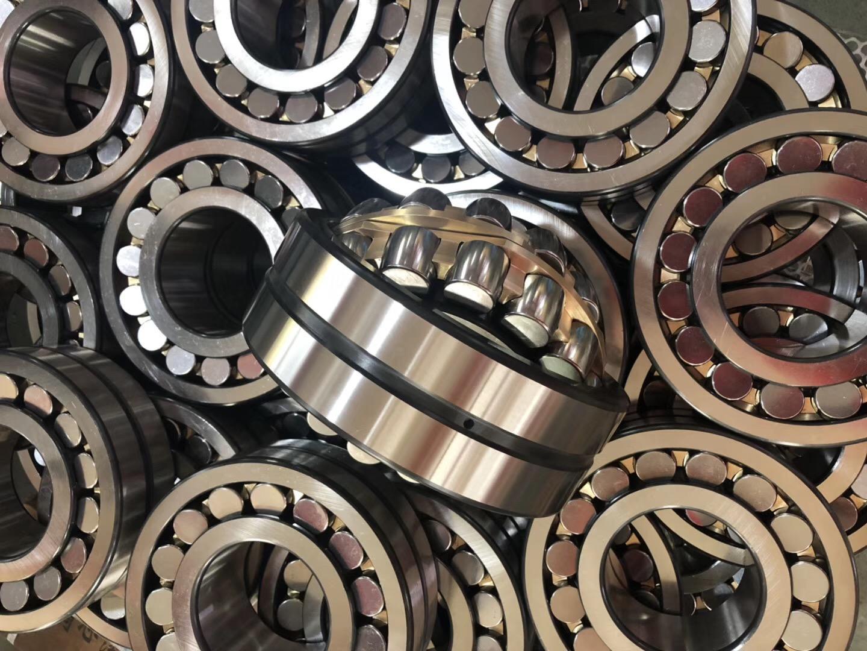 Spherical roller bearing 22210